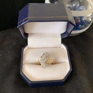 Ladies Dinner Diamond Ring